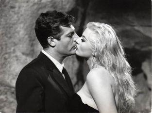 La dolce vita - Marcello Mastroiani et Anita Eckberg