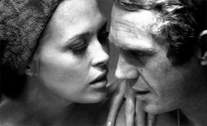 Faye Dunaway et Steve Mac Queen - Affaire Thomas Crown