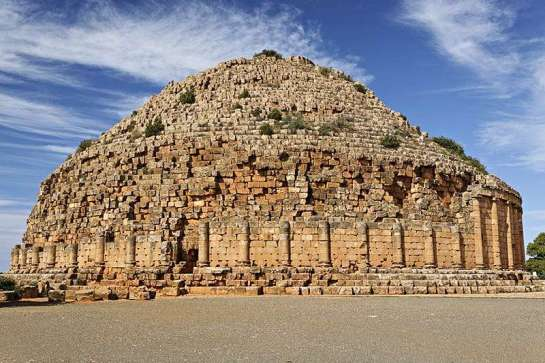 Tipasa - tombeau de la chrétienne