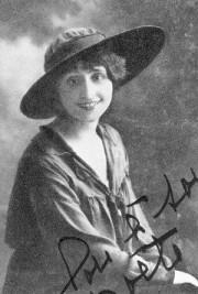 Lou - Louise de Coligny-Chatillon