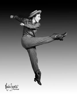 Agnès de Mille (1905-1993) Danseuse et chorégraphe américaine qui a vivement contribué à donner ses lettres de noblesse à la comédie musicale